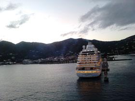Auslaufen bei Sonnenuntergang auf Tortola