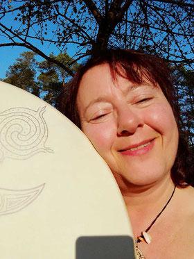 Susanne-Solveigsdotter mit schamanischer Trommel