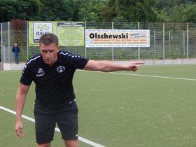 Da geht´s entlang: Trainer Patrick Wojwod weiß den Weg.