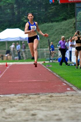 Mit 6,31m im Weitsprung und 12,99m im Dreisprung holte Kaczmarek Gold und Bronze für ihre FH. (Archivfoto)