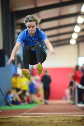 Die vielseitige Athletin Ronja van der Heiden belgte mit 4,68 m den vierten Platz des Weitsprungwettbewerbs.