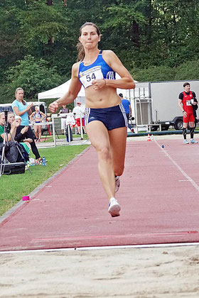 Die Dreispringerin Klaudia Kaczmarek vom LAZ Rhede erzielt bei der DM in Berliner Olympiastadion den fünften Platz. (Archivfoto: Bernfried Knipping)