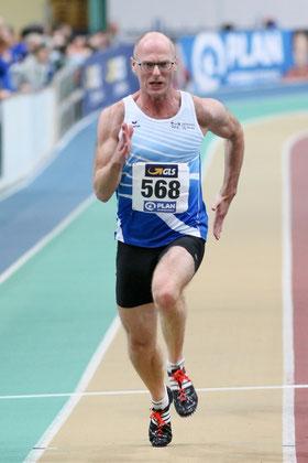Tom Ketelaer wurde NRW-Senioren-Meister über 200m der Altersklasse M50. (Foto: Roman Buhl)