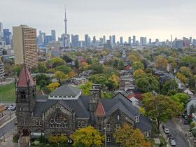 Herbstliche Toronto Skyline mit CN Tower.