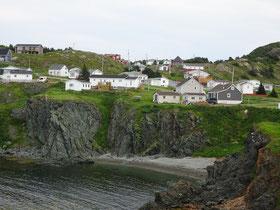 Blick auf die Gemeinde Crow Head auf der neufundländischen Insel Twillingate in der Notre Dame Bay.