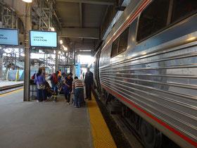 Mit dem Zug nach Niagara-Falls: Union-Station Toronto.