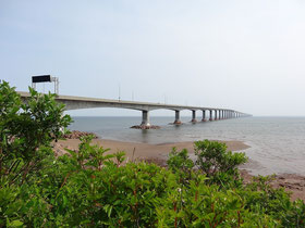 Die schier endlos lange Confederation Bridge verbindet New Brunswick und Prince Edward Island.