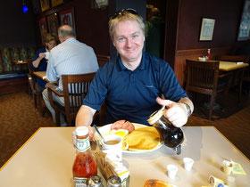 Beim Frühstück in Kanada ist Ahornsirup natürlich Pflicht.