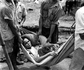 Chamorro Frau von der Insel Guam 1944 nach der Befreiung von japanischer Besatzung. (Quelle: National Archives, U.S. Marine Corps)