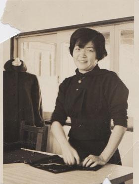 希以おばあちゃん、服飾デザイナーとして働く30代の頃