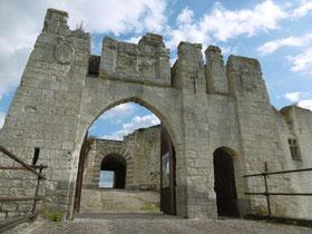Château de Picquigny 15 km d'Amiens, visite par topo-guide ou jeu de piste, visite insolite aux flambeaux, visite-découverte par escape game