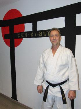 Peter Frank 1. Dan Jiu-Jitsu