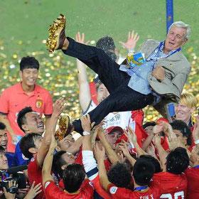 Celebrazioni per lo storico trionfo del 2012 della Champion's League da parte del Guangzhou Evergrande, il primo a livello Internazionale di una squadra Cinese, guidata dal nostro Marcello Lippi