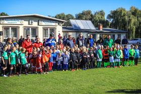 Die Mannschaften beim diesjährigen Silberberg Cup.