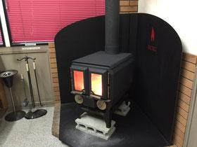 まきストーブ暖房