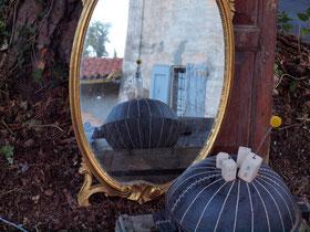 「佇む土鍋」 -結婚パーティ明けの朝に ボローニャの田舎町にて-