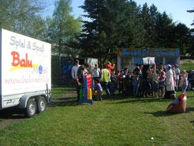 """Die Tauf-Feier für die neuen Container - """"Balu"""" feiert mit"""