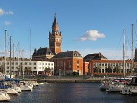 Prise de vue de Dunkerque depuis son port par Velvet en 2011.