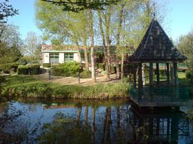 Le Temple sur Lot - La bibliothèque et son environnement