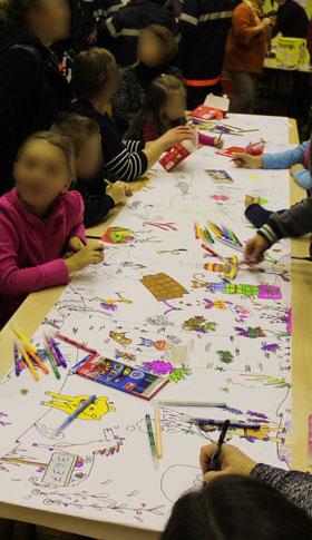 Une fresque collective les participants et son illustratrice lors du téléthon 2016
