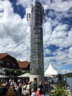 Das neue Wahrzeichen von Hergiswil: Der 20 Meter hohe Glasi-Turm
