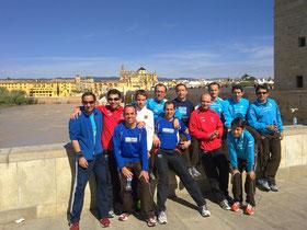 Atletas lucentinos participantes en la C.P. Puente Romano.