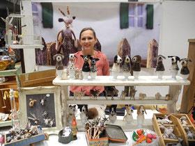 Die deutsche Filzkünstlerin Ulrike Kissel präsentiert ihre kleinen unglaublich witzigen Filzviechereien
