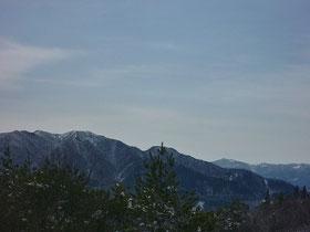 腕山からの寒峰
