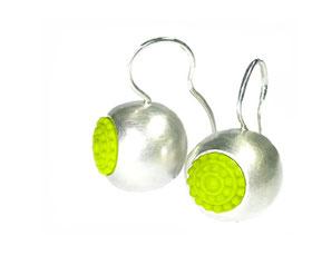 bunte und fröhliche  Kugel-Ohrringe