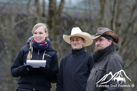 Beim Richten der Eröffnungschallenge - Michi, Noémie, Dominik (Foto: Madith Pauwels)