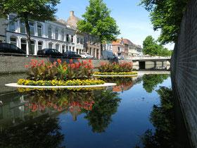 Impressie van een drijvende tuin in de Burgel, Kampen
