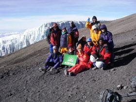 山頂直下の氷河