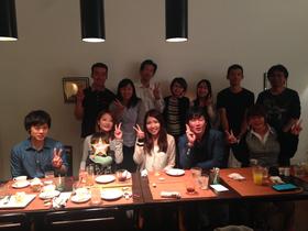 左後ろから山北さん、常務、伊藤さん、鎌田さん、廣瀬さん、小野さん、小寺さん。前列左からマサキくん、中田&息子、ゆかちゃん、社長、ゆうなちゃん。