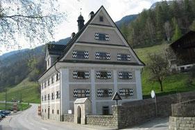 El museum sursilvan a Trun ina stanza ei dedicada all'art da Matias Spescha.