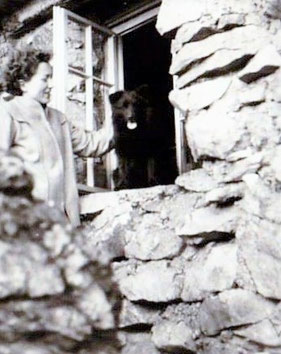 Questenstein mit Elfriede Mosebach Anfang 1950er