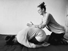 Stefanie Anna Kremser Urkraftwunder Yoga Coaching Sound Healing Visionärin Yogalehrerin Coach Körper Geist Seele Meditation Kurse Workshops Onlinekurs Retreats Circles ThaiYoga