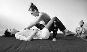 Stefanie Anna Kremser Urkraftwunder Yoga Coaching Sound Healing Visionärin Yogalehrerin Coach Körper Geist Seele Meditation Kurse Workshops Onlinekurs Retreats Circles ThaiYoga Herzarbeit