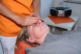 Entspannter Gesichtsausdruck einer Patientin