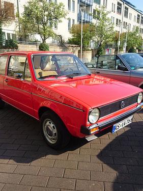 Platz 2    Iris und Thorsten Falk mit Ihrem VW Golf I Bj. 1976