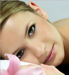 Schöne Augenbrauen und Wimpern im Kosmetikstudio Hautnah in Leun