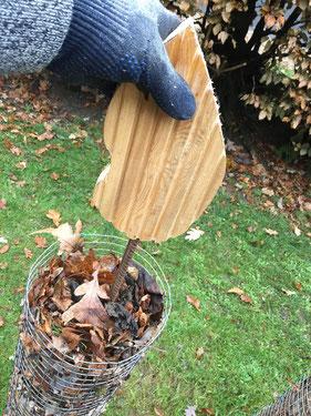 Laubkerze als Kompostbehälter