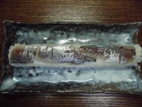 完成したアジの棒寿司
