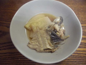 完成したヒラメの中落ちと大根のアラ炊き