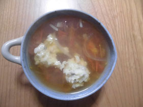 完成したエソ団子のトマトスープ