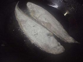 レンチョウをフライパンで焼く