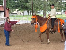 パレードに備えて乗馬練習