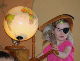 Jeden Jahr in den Sommerferien gastiert ein Kindertheater in der Bücherei. Für Familien mit Kindern ab 4 Jahren ein Highlight.