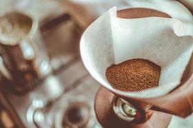 Gemahlener Kaffee in Filter