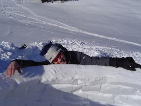 Schneeschuh, Schneeschuhtour, Iglu, Iglubau, Igluübernachtung, Winterprogramm, Schneeabenteuer, Skiausflug, Winterspaß, Igludorf,
