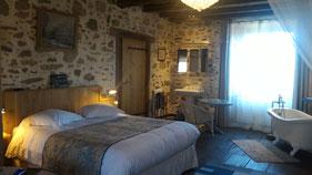 La Breuilh peut accueillir 3 personnes (un lit double de 160 cm et un lit simple 90 cm)